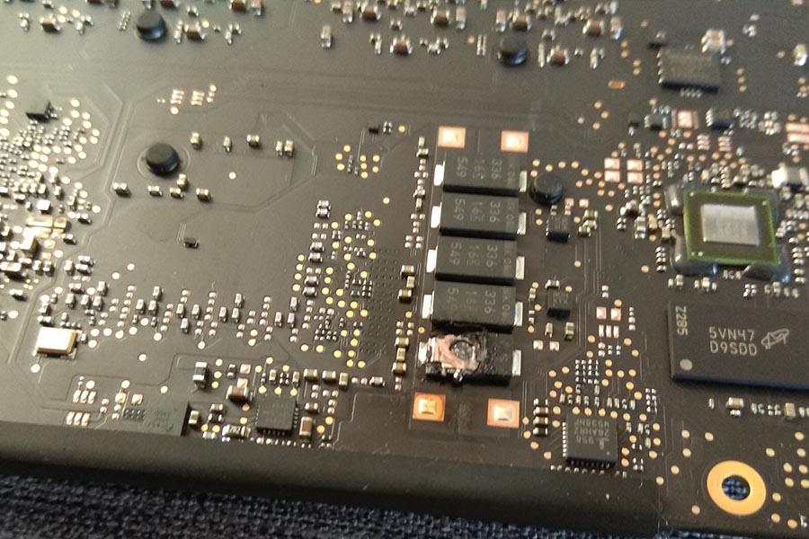 MacBook moederbord reparatie